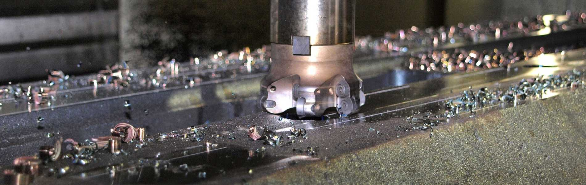 Tungsten Carbide and Ceramic Cutting Tools